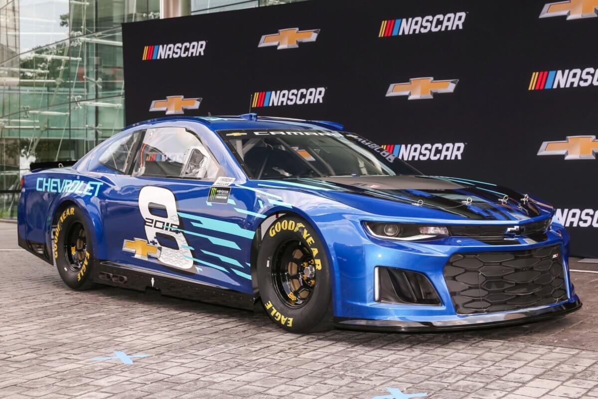 Chevrolet unveils the Camaro ZL1 as its 2018 Monster Energy NASCAR ...